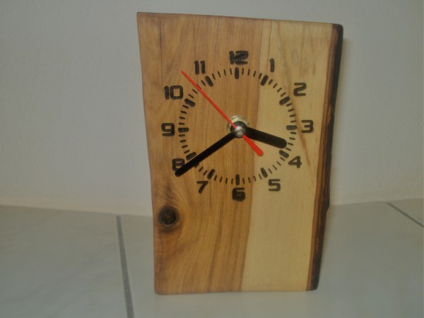 Uhr in Holz No 4